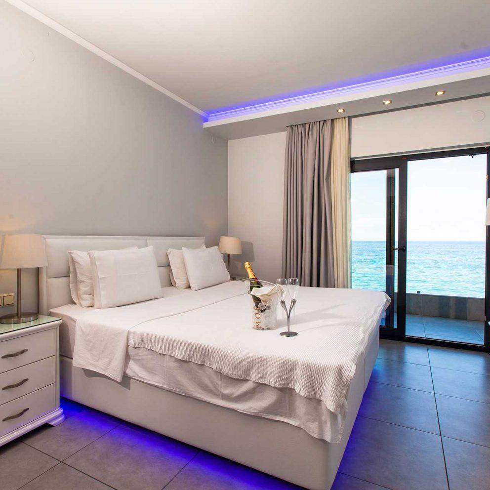 hotel-kymata-luxury-room-(5)hotel-kymata-luxury-room-(5)
