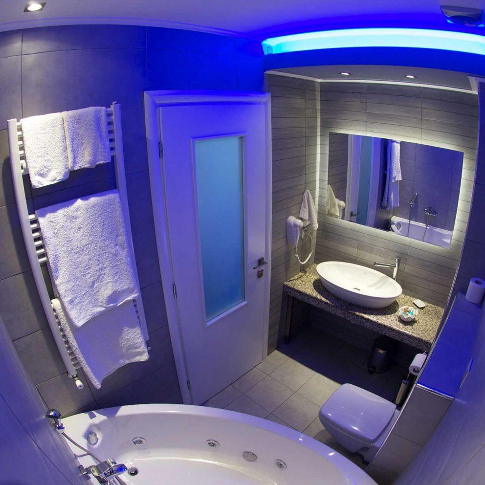 hotel-kymata-luxury-room-(7)