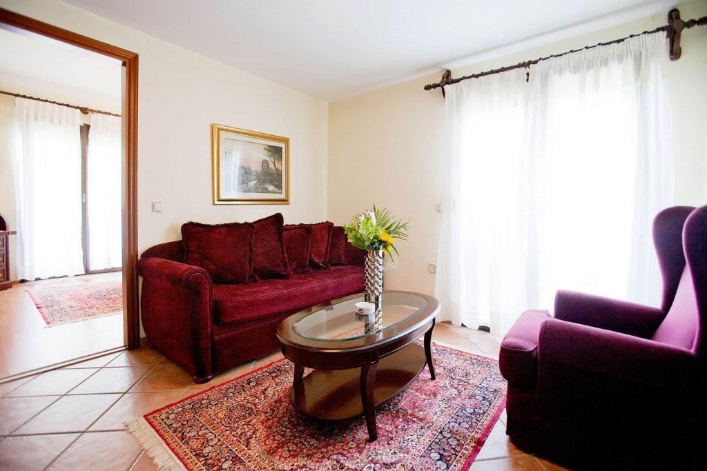 hotel-kymata-suites-domatio (1)