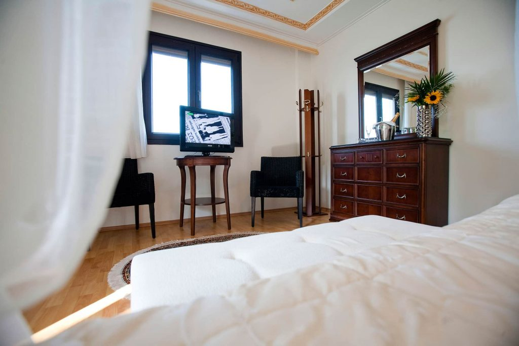 hotel-kymata-suites-domatio (3)