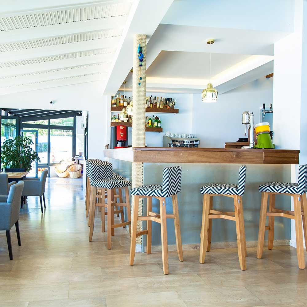 hotel-kymata-bar
